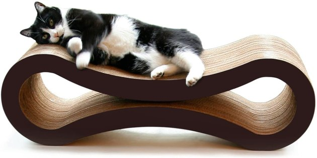 Everyone loves a two-in-one — even your pets. Let your cats lounge and scratch in style with this long-lasting, reversible contraption. Pick between white, grey, and brown borders to perfectly match your surrounding space.