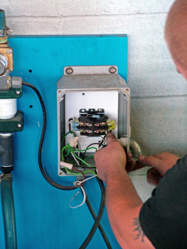 With How To Wire A Circuit Breaker Panel Also Main Breaker Box Wiring