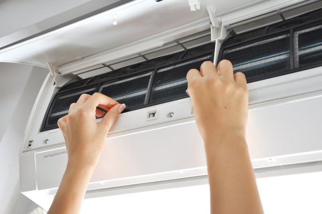 cleaning air conditioner filter