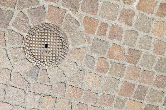 Sidewalk drain