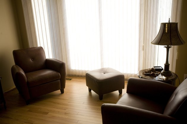 Living room with armchairs and ottoman