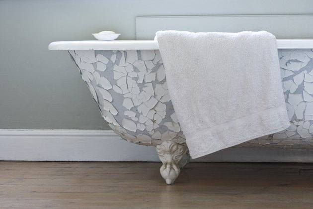 Clawfoot Tub Decorating Ideas