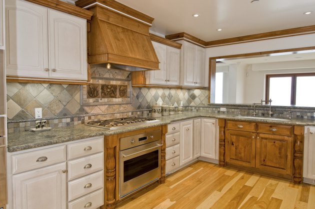 The Best Color Granite Countertop for Honey Oak Cabinets ... on What Color Granite Goes With Honey Maple Cabinets  id=17723