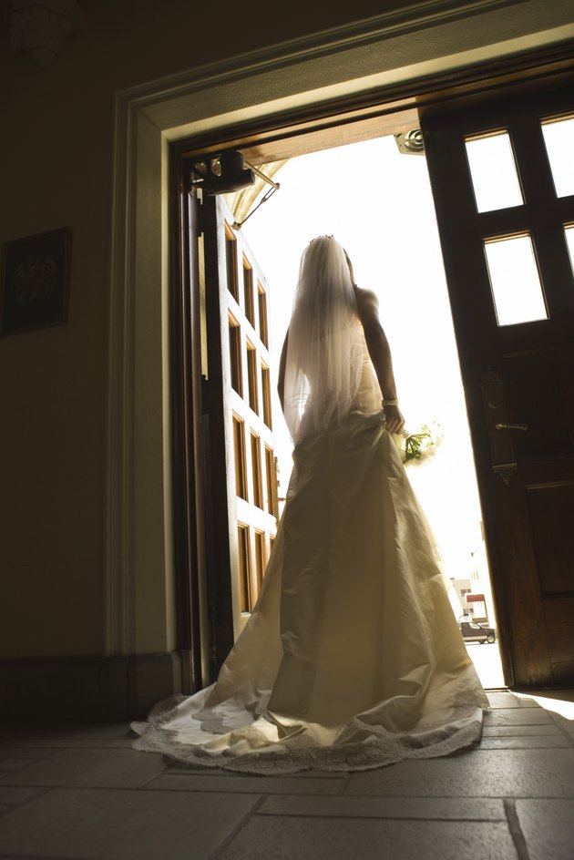 How to Clean a Yellowed Wedding Veil