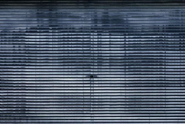 grungy garagedoor (duotone)