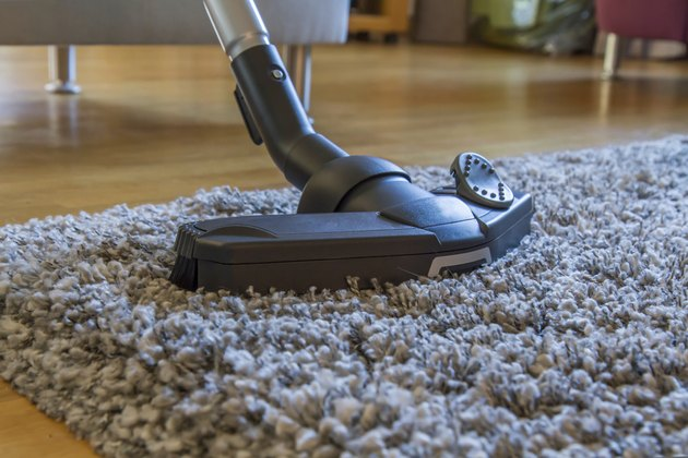 Vacuum cleaner to tidy up the living room