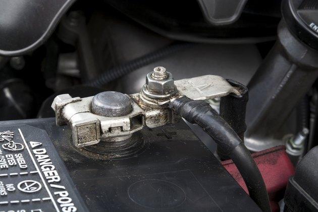 Automobile battery terminal