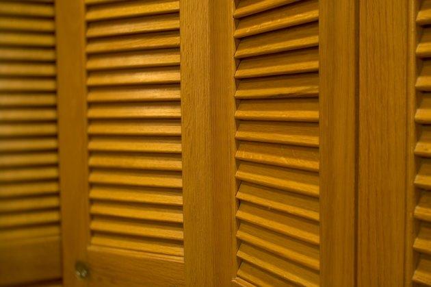 How to Build DIY Bi-Fold Doors