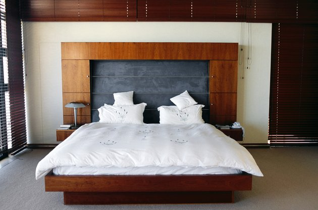 how to make a king size bunkie board hunker. Black Bedroom Furniture Sets. Home Design Ideas