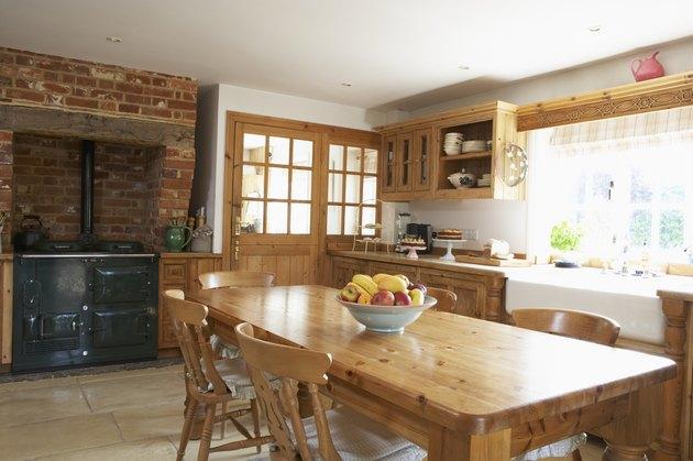 The Difference Between Laminate & Veneer Furniture