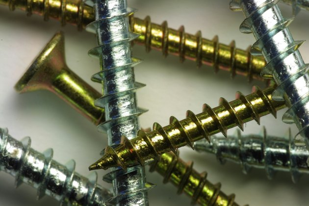 What Does 10-24 Mean When Talking About Screws?
