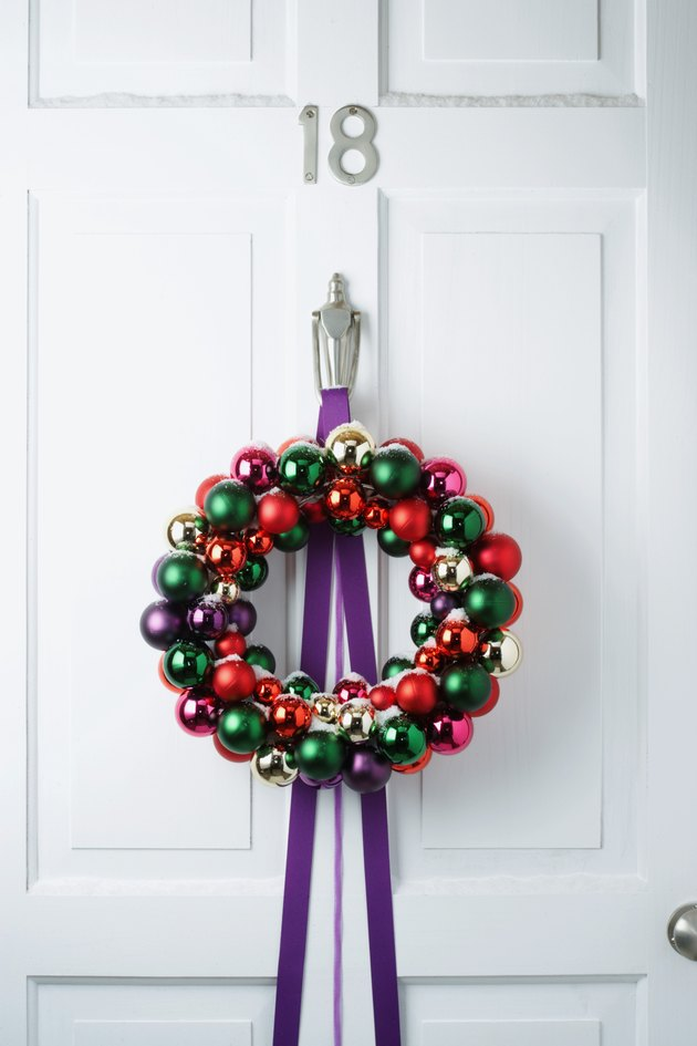 Bauble wreath on door