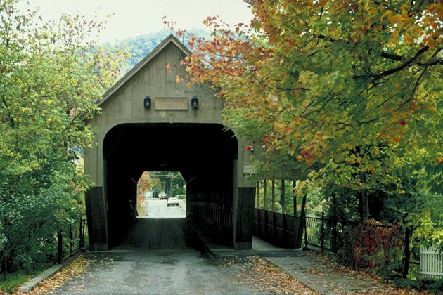 Covered bridge , Woodstock , Vermont