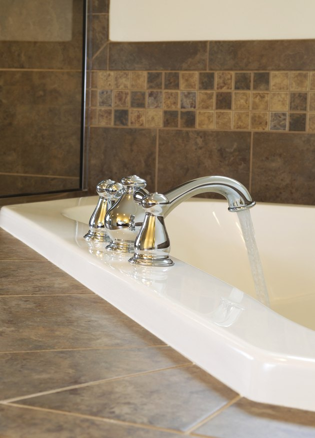 The Average Dimensions For Master Suite Bathrooms Hunker