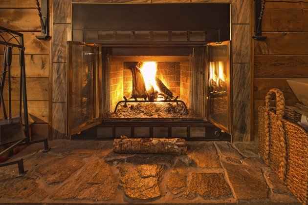 How to Open a Fireplace Flue