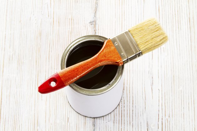 Paint brush, varnish can, paintbrush lacquer container