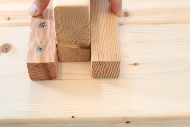 Gauging the distance between balusters