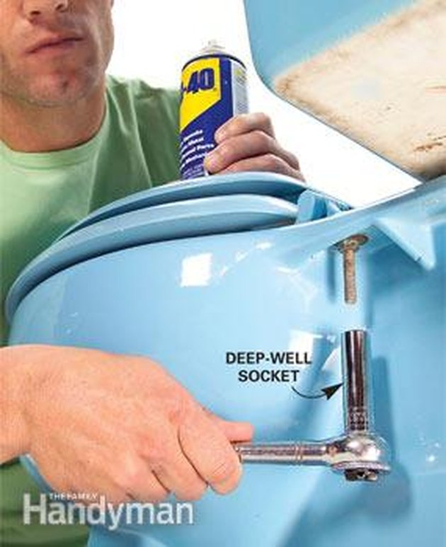 Toilet deep well socket