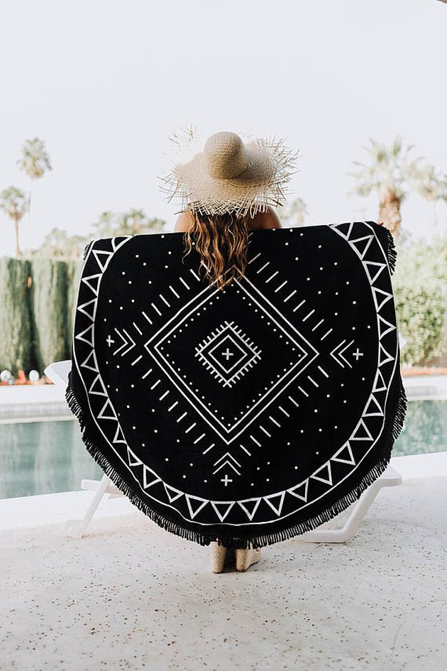 round beach towel with fringe tassel