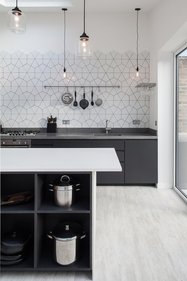 patterned white backsplash