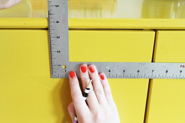 Mark drill guides on all drawers