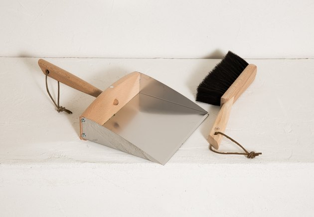 joinery dustpan