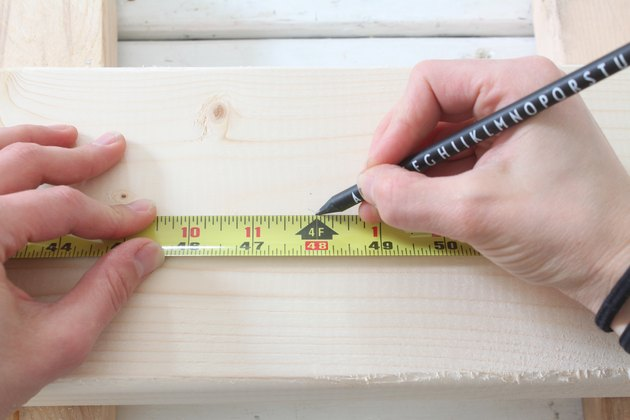 Marking the length of the desktop