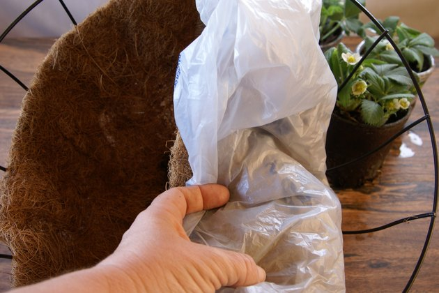 How To Use Coco Liners Hunker