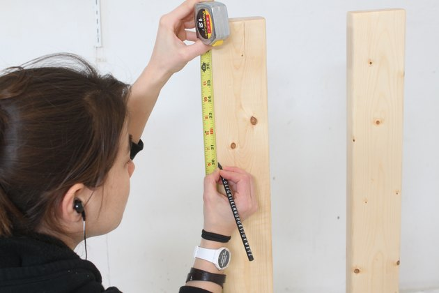 Marking the legs