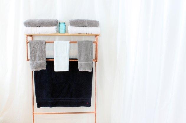 Full towel rack