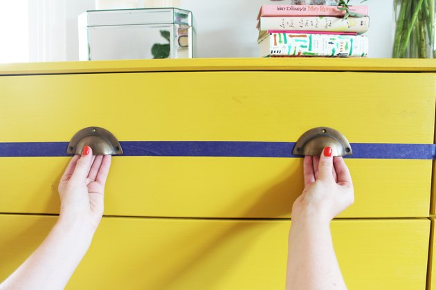 Determine drawer pull placement