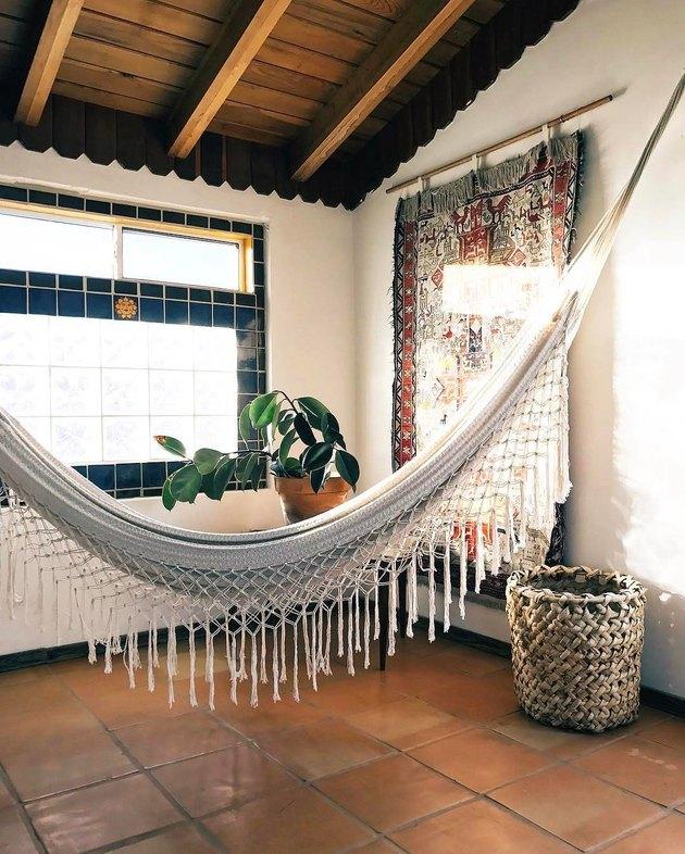 hammock room