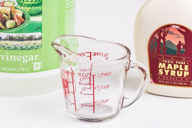 syrup and vinegar make an effective fly bait trap