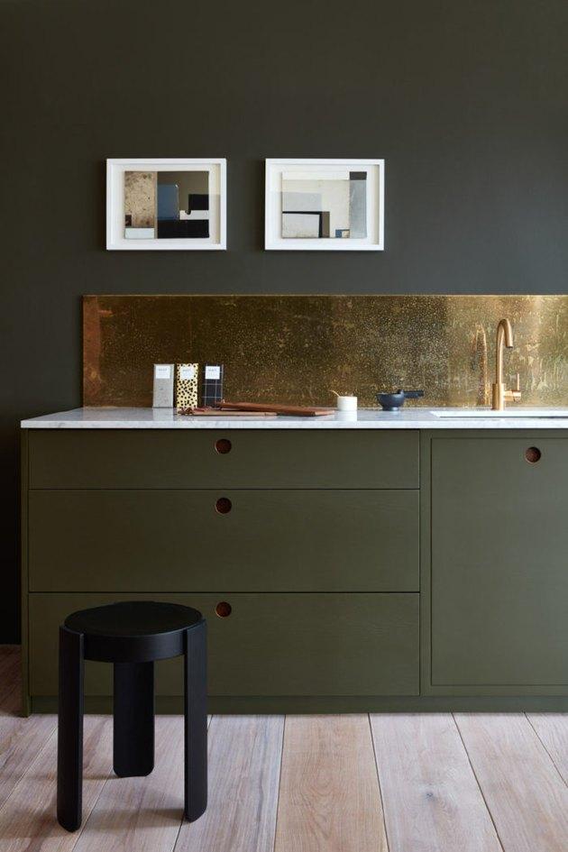 gold mirror backsplash