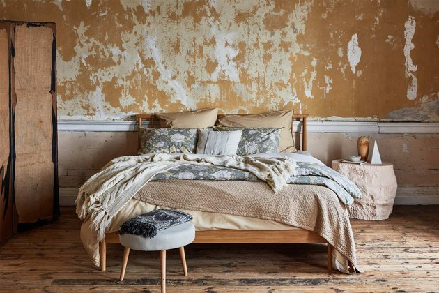 fall bed