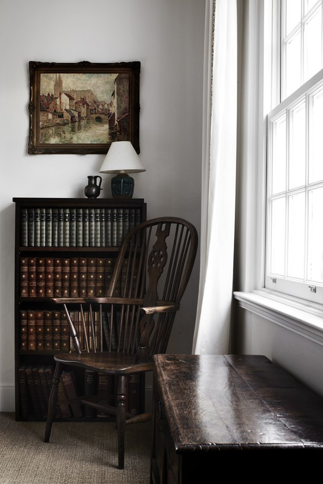 English cottage bookshelf