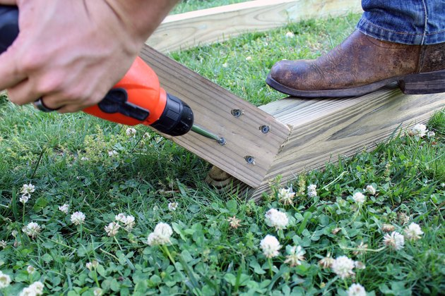 drill 4 deck screws into corner of 3' and 6' post. repeat for all 4 corners   hammock stand DIY