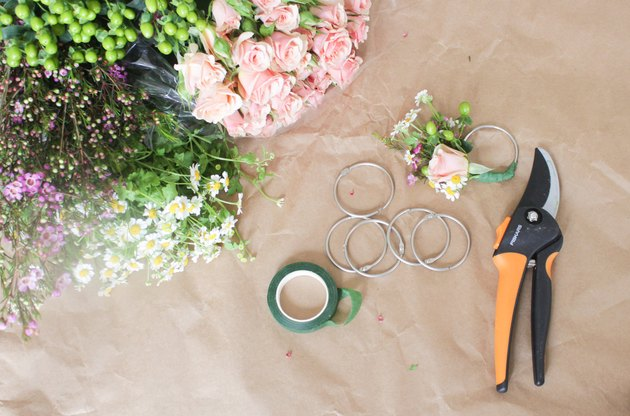Supplies needed to make floral napkin rings