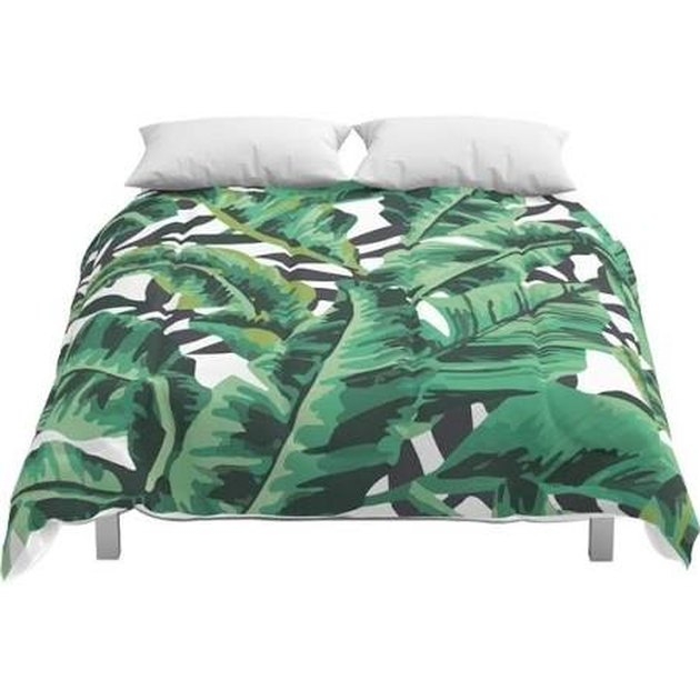 Leaf-printed comforter