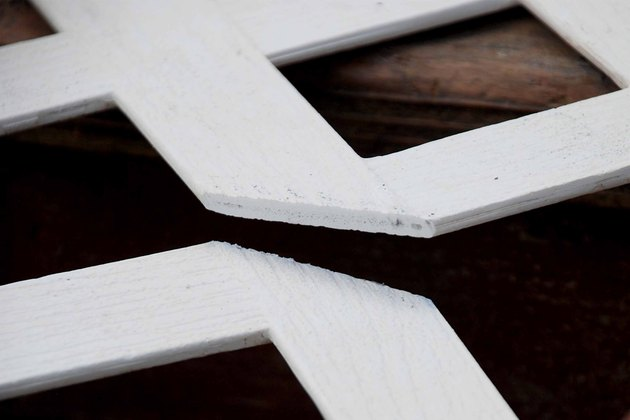 How to Cut Vinyl Lattice & Fence Material