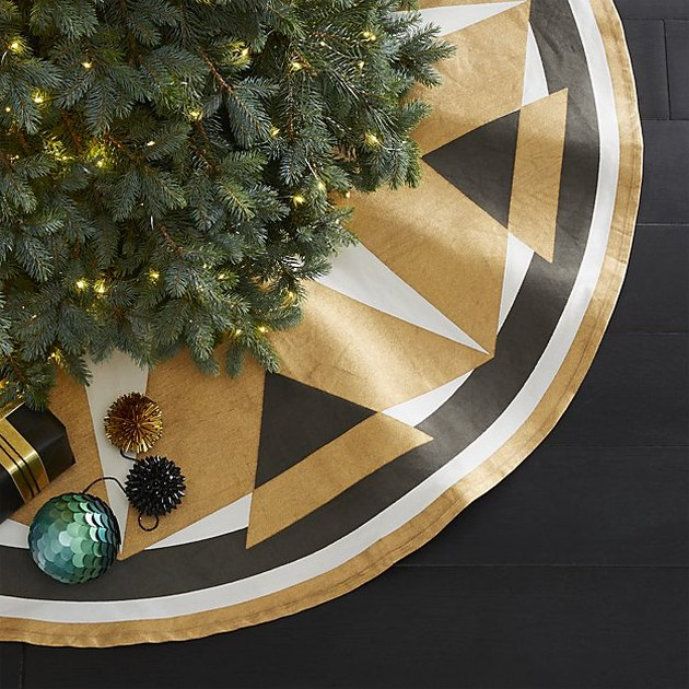 printed tree skirt