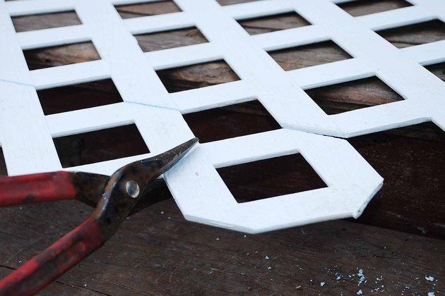 How To Cut Vinyl Lattice Amp Fence Material Hunker