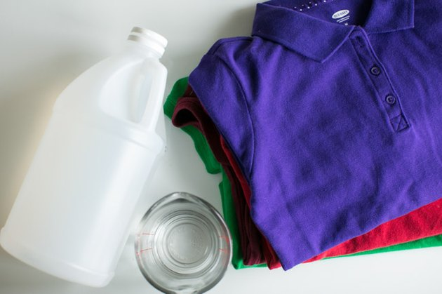 Wash clothes in vinegar to brighten colors