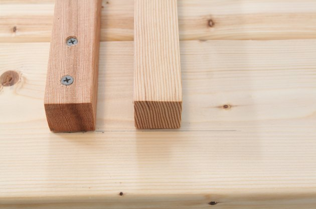 Detail of aligned balusters and the first two screws