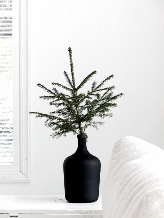 minimalist christmas decor