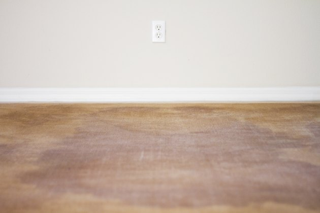 How To Steam Clean Carpets With Vinegar Hunker