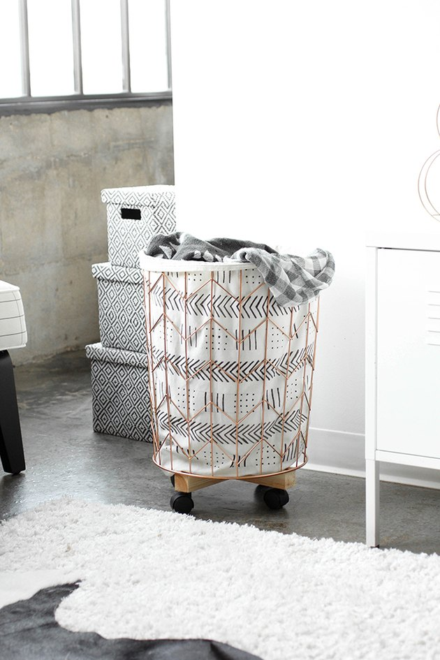 wire hamper on wheels