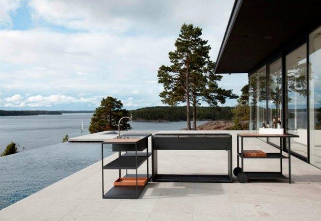 detached outdoor kitchen