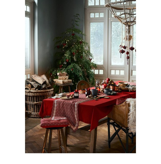 holiday dining room