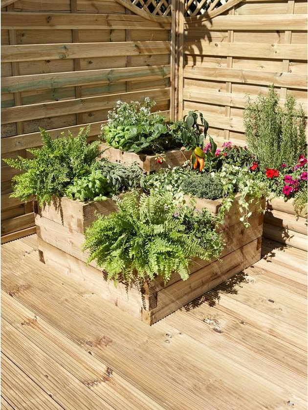 7 Raised Flower Bed Ideas to Take Your Garden to the Next ...